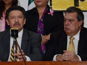 """POLÍTICOS """"CAMALEONICOS"""" QUE DÍA A DÍA CAMBIAN DE COLOR... SEGÚN SUS CONVENIENCIAS PERSONALES."""
